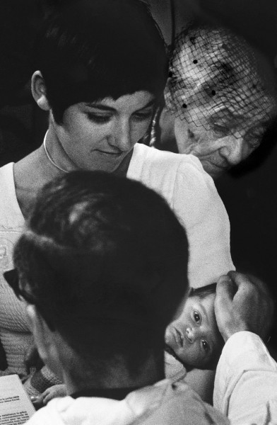 Régis Bossu ''Baby Mélanie takes it seriously'', Baptism in France with three generations, 1976