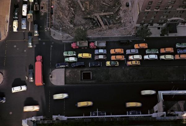 """Werner Bischof """"Straßenkreuzung"""", New York City, USA, 1953"""