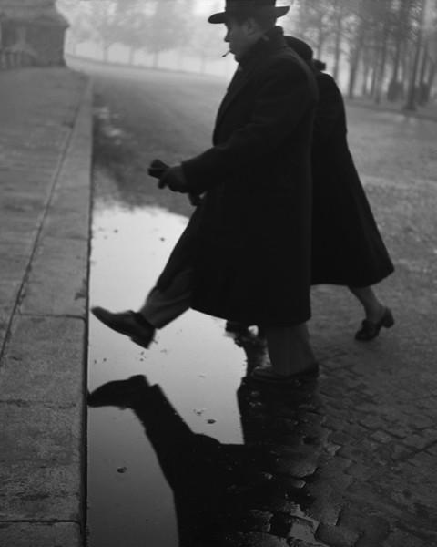 """René Groebli """"Paris (#1439)"""", 1949"""