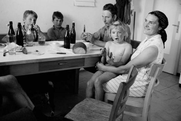 """Michael Friedel """"Brotzeit, Bauernfamilie"""", Oberbayern, 1966"""