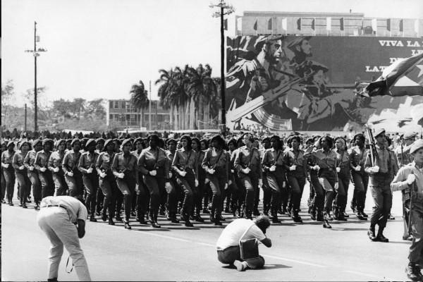 "Michael Friedel ""Parade 1. Mai, Frauen-Elitetruppe Las Marianas"", Havana, Kuba, 1967"
