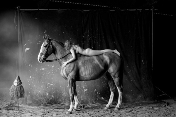 "Emanuele Scorcelletti ""Fusion, Equestrian Theater of Brittany"", La Chapelle Gaceline, Januar 2017"