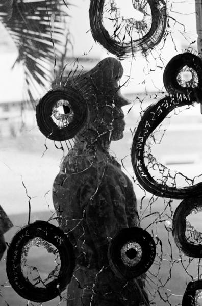 "Michael Friedel ""Einschüsse, Kanal-Aufstand"", Panama City, Panama, 1964"