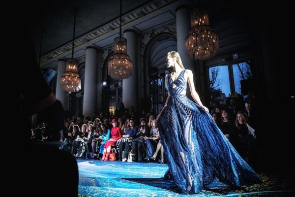 "Holger Sà ""Catwalk Serie II, Blue Dress"", Paris, 2019"