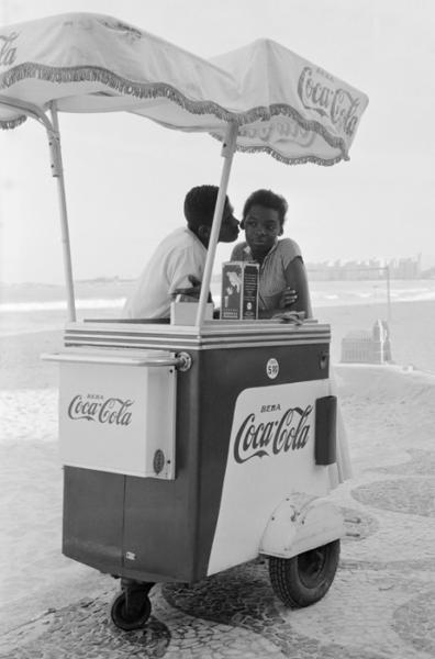 """Michael Friedel """"Flirtversuch"""", Copacabana, Rio de Janeiro, 1958"""
