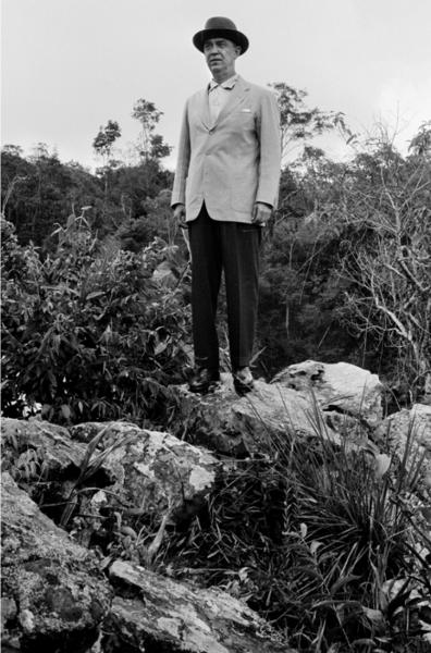 """Michael Friedel """"Staatspräsident Jusquelino Kubitchek posiert für Michael Friedel"""", 1958"""