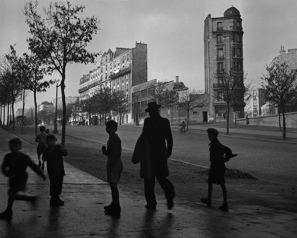 """René Groebli """"Paris (#1665)"""", 1949"""