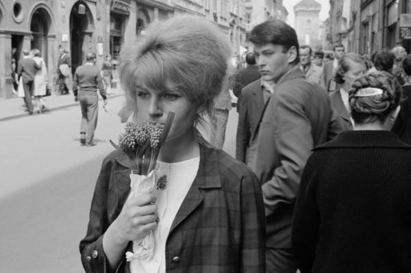 """Michael Friedel """"Straßenszene, Frühling, Zentrum von Warschau"""", 1964"""
