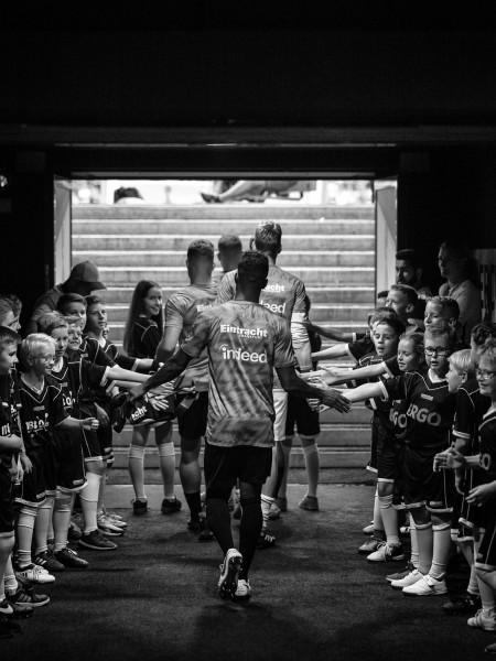 "Holger Sà ""Kids inside the tunnel"", 2018"
