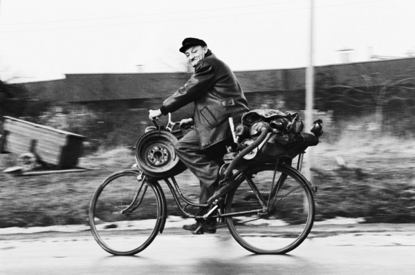 Régis Bossu ''Cycling to recycling plant'', Darmstadt, 1971