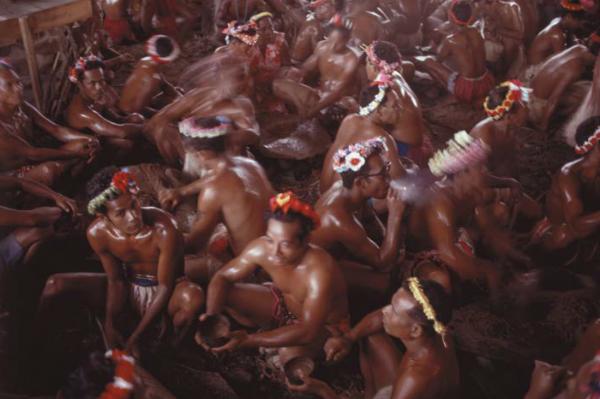 """Michael Friedel """"Flughafen-Eröffnung, Rauschgift-Party"""", Ponape (Ponpai), Mikronesien, 1969"""
