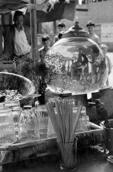 "Michael Friedel ""Getränkestand"", Pisa, 1953"
