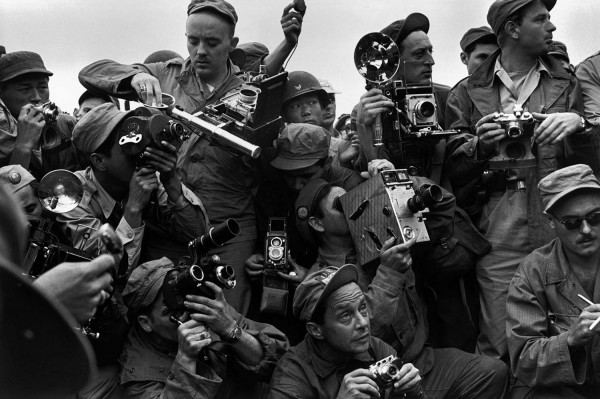 "Werner Bischof ""Reporter der Weltpresse"", Kaesong, Korea, 1952"